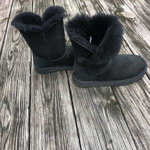 UGG Bailey Suede Button II Boots pre-own